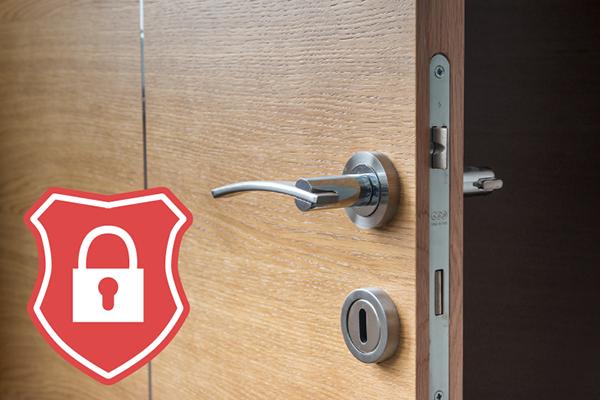 従来通りのカギを使用することを前提に、必要十分なセキュリティー設備として、出入管理のための鍵管理ボックス、監視カメラを使用し、低コストで必要十分なセキュリティーを確保いたします。